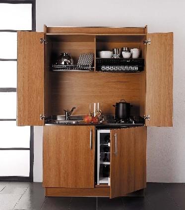Cucina salvaspazio come da foto mobili on line for Mobili arredo cucina